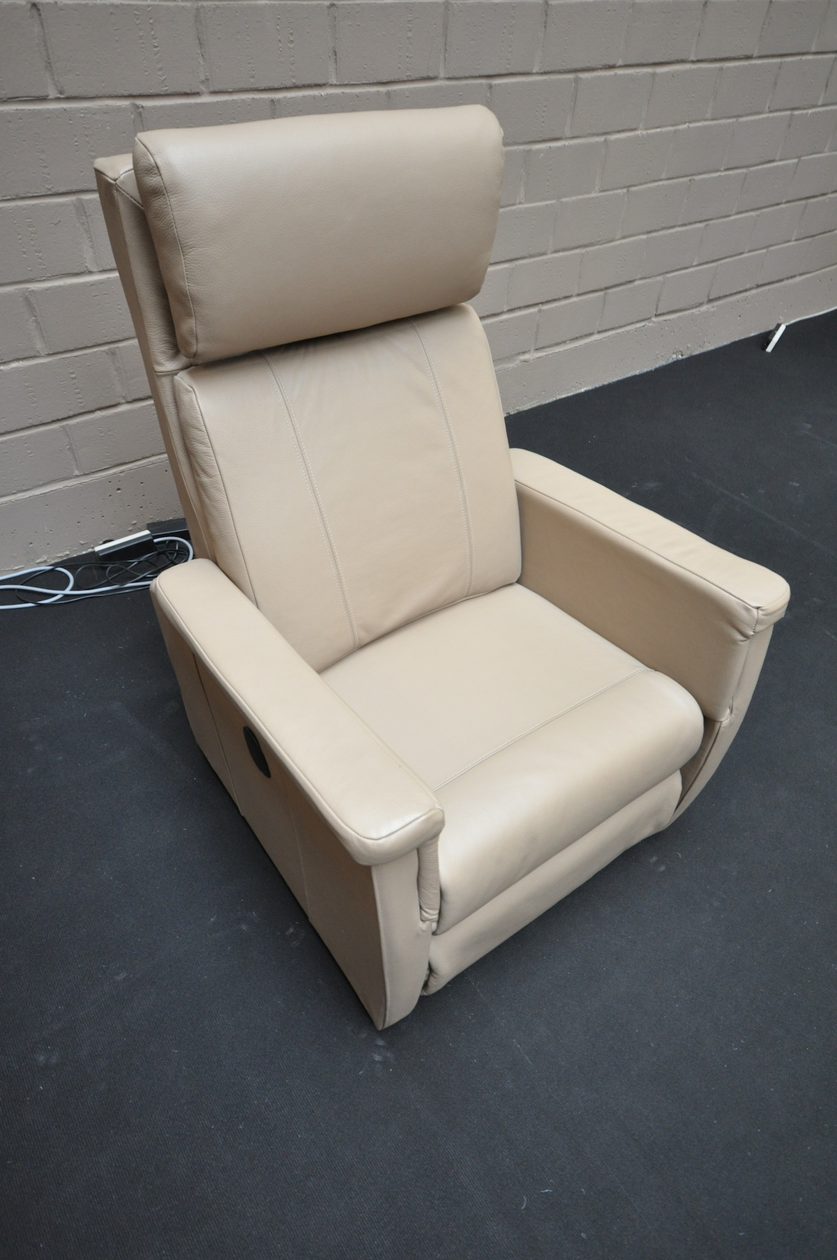 fauteuil relax en solde maison design. Black Bedroom Furniture Sets. Home Design Ideas