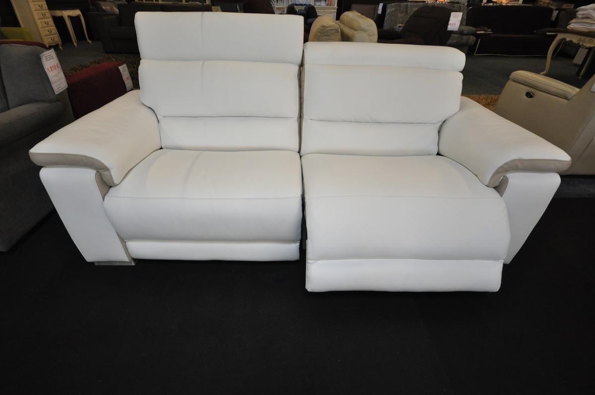 salon ref dak avec relax modele haut de gamme en cuir pleine fleur categorie 3000 composition 3. Black Bedroom Furniture Sets. Home Design Ideas
