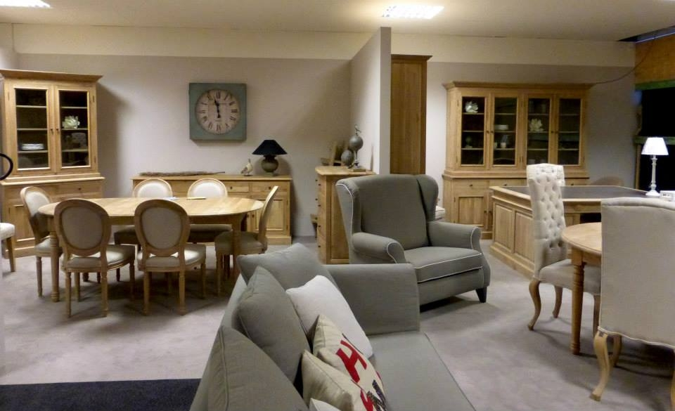 meubles mailleux destockage table de lit. Black Bedroom Furniture Sets. Home Design Ideas